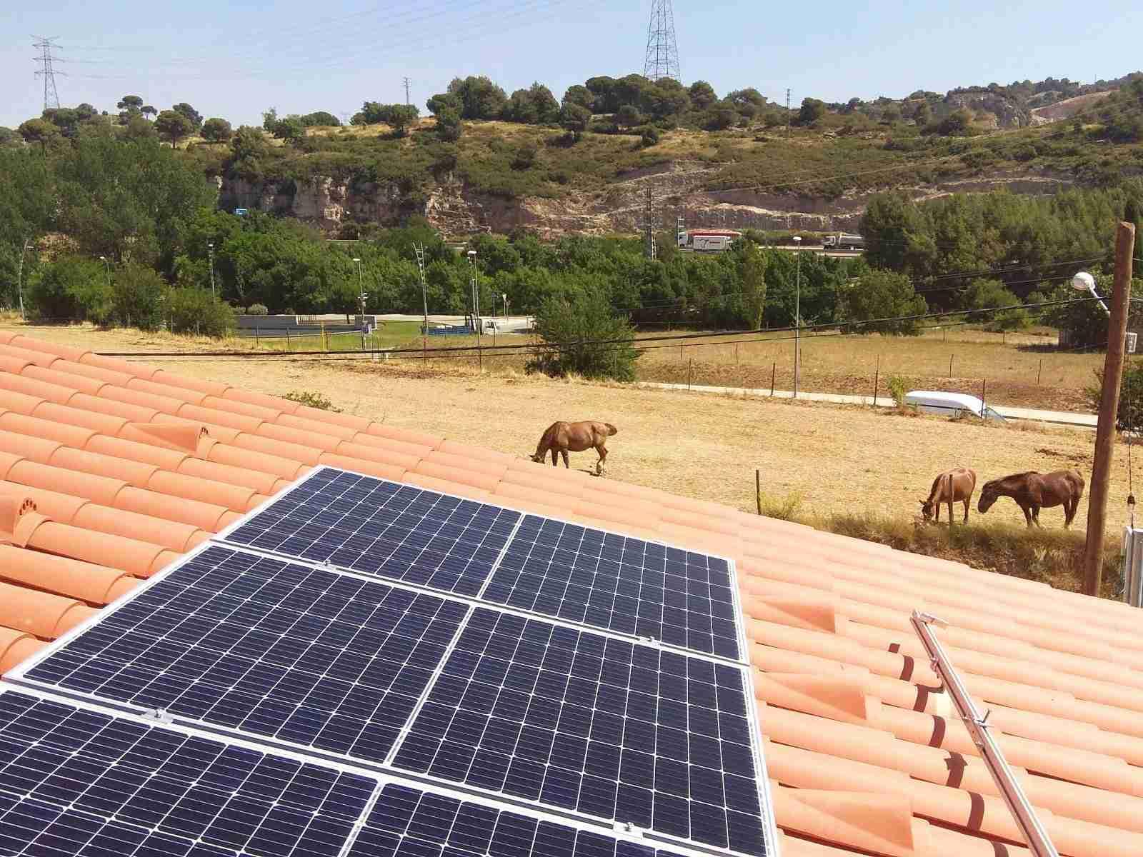 plaques fotovoltaiques, instal·lació solar, energia solar